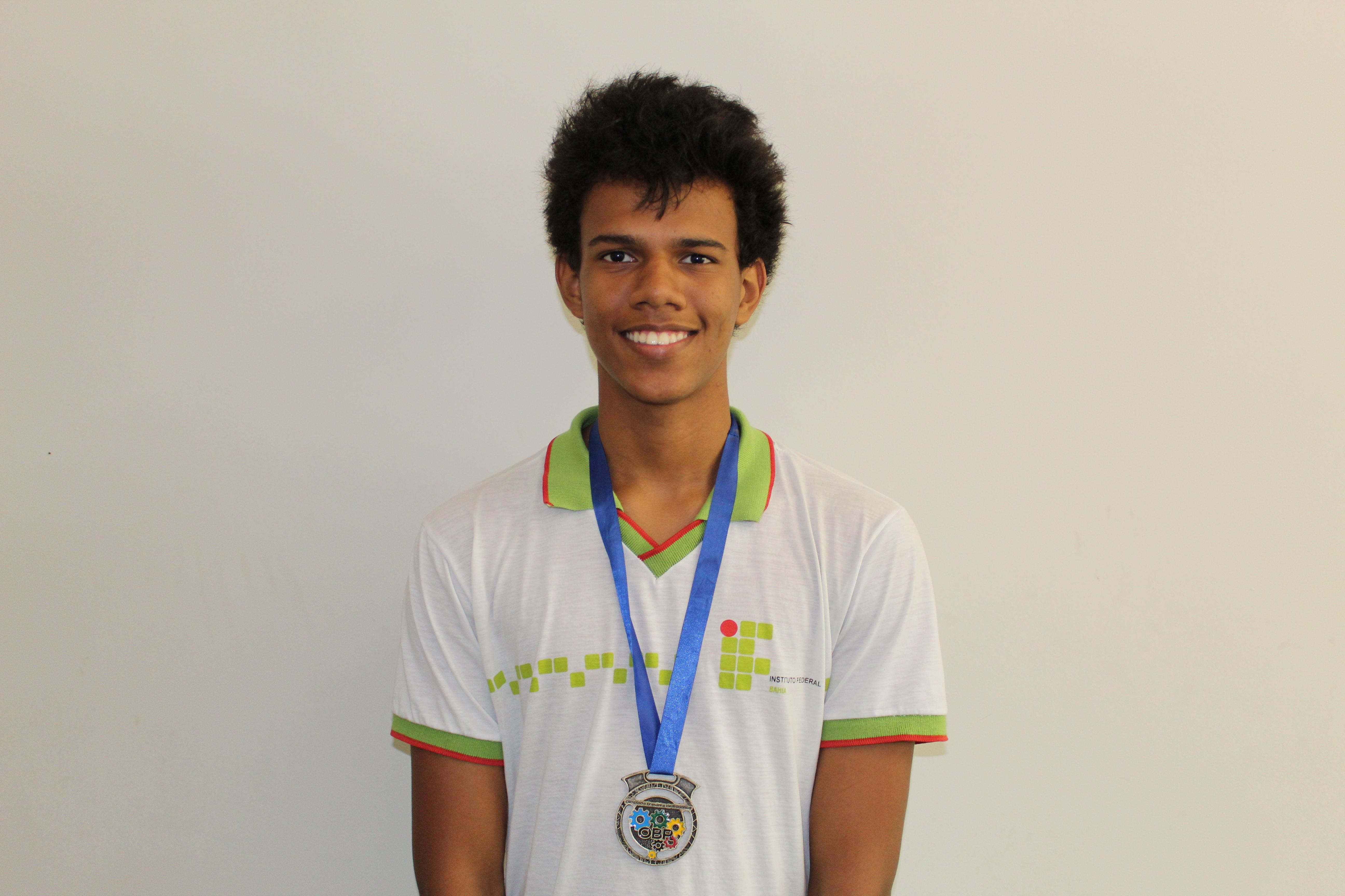 Estudante do Campus Jacobina do IFBA conquista medalha na Olimpíada Brasileira de Robótica