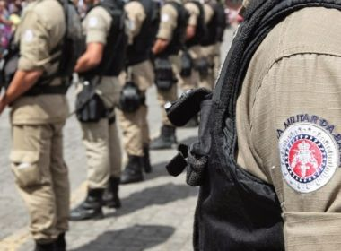 Resultado de imagem para policiais militares bahia
