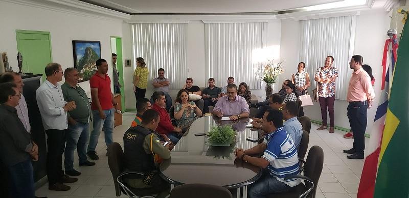 """""""O povo de Jacobina pode se orgulhar em ter dois hospitais municipais"""", afirma prefeito Luciano"""