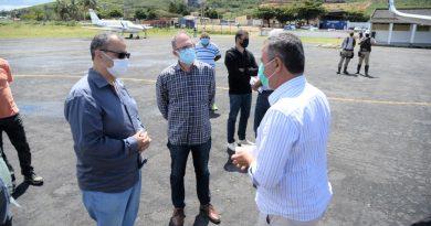 Luciano da Locar recepciona o Governador Rui Costa no Aeroporto 2 de Julho