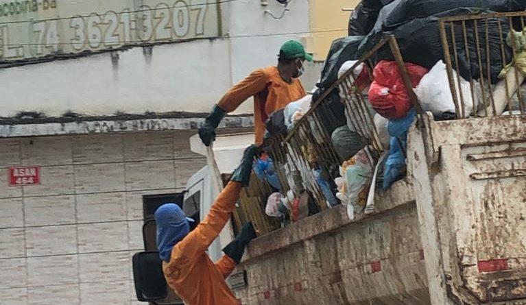 Morador denuncia coleta de lixo feita por caçamba aberta no bairro Jacobina III