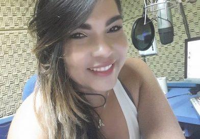 Após sofrer acidente em Serrolândia, radialista Any Oliveira é transferida para Salvador