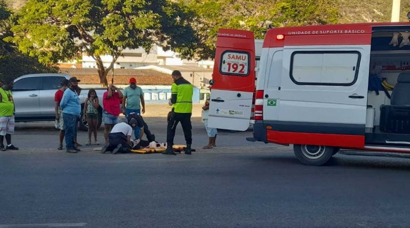 Motoqueiro foge após acidente que deixou duas mulheres feridas em Jacobina